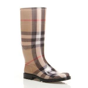 Burberry rain boots 38